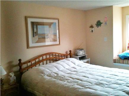Mashpee, Popponesset Cape Cod vacation rental - Bedroom (Full + bureau) (BR #3 of 3; 1 window + wb)