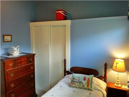 Mashpee, Popponesset Beach Cape Cod vacation rental - Bedrom 1 twin bed