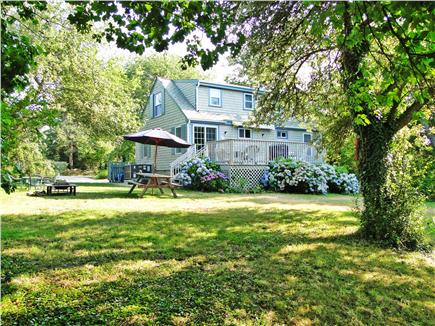 Brewster, Linnell Landing beach area, Br Cape Cod vacation rental - Spacious yard - great for playing, relaxing, and dining
