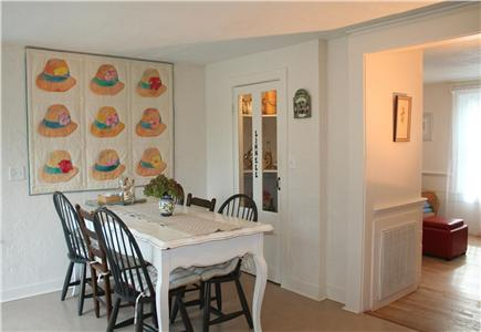 """Brewster, Linnell Landing beach area, Br Cape Cod vacation rental - """"Linnell Landing"""" dining area"""