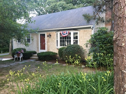 Chatham-Lovers Lake Area Cape Cod vacation rental - Front of House