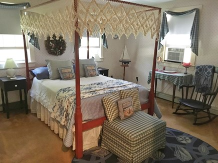 Chatham-Lovers Lake Area Cape Cod vacation rental - Master Bedroom