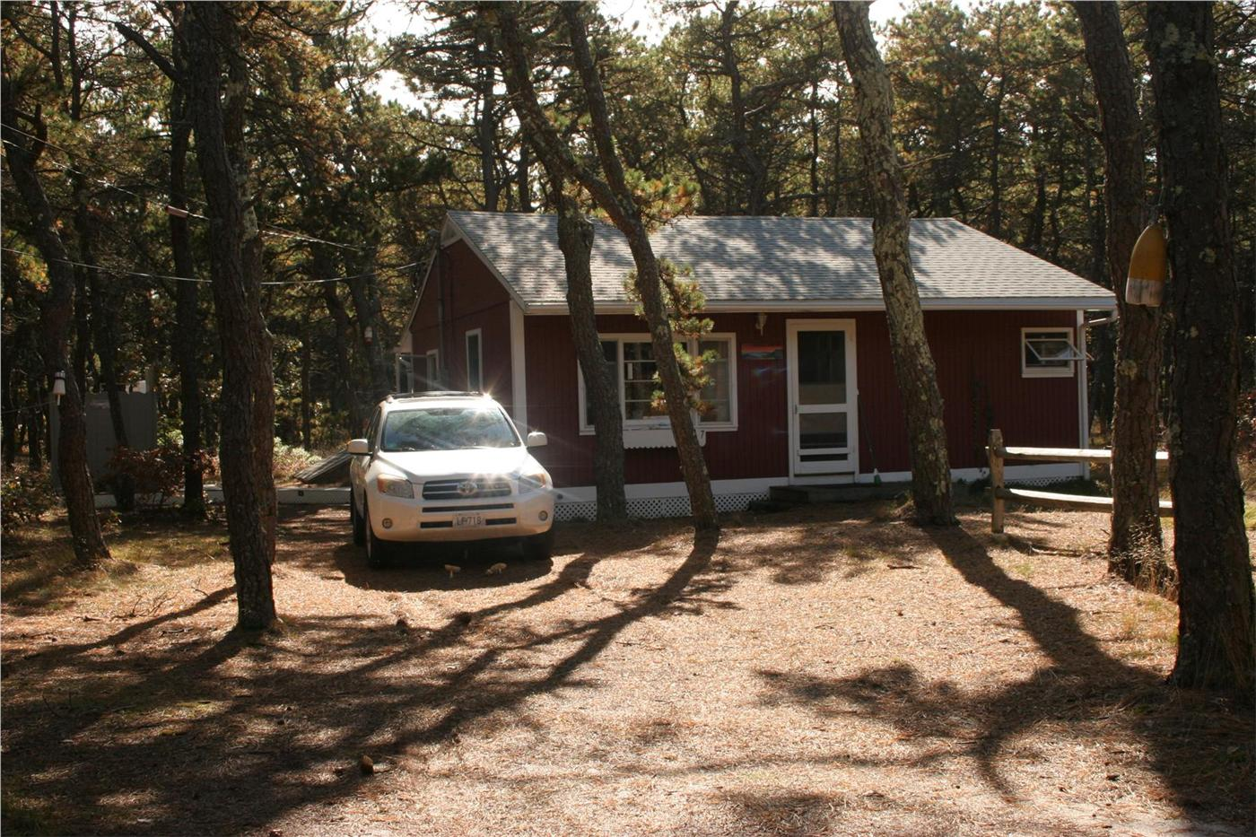 Truro vacation rental home in cape cod ma 02652 1 2 mile for Cabin cape cod