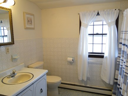 New Seabury, Mashpee New Seabury vacation rental - Upstairs full bathroom