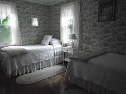 Bourne, Monument Beach Cape Cod vacation rental - ''Heather Rene'' room, 2-twins, w/built in desk, shelves n books