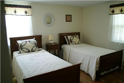 Hyannis Cape Cod vacation rental - 2 Twin Beds - upstairs