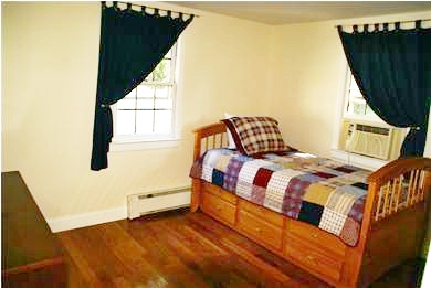 Hyannis Cape Cod vacation rental - 2 Twin Beds (trundle) - main floor