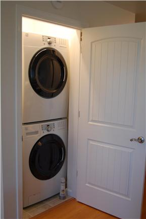 Chatham Cape Cod vacation rental - The high efficiency washer and dryer