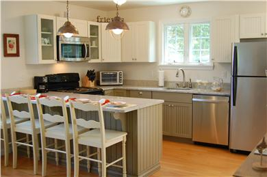 Chatham Cape Cod vacation rental - The Breakfast Bar seats four