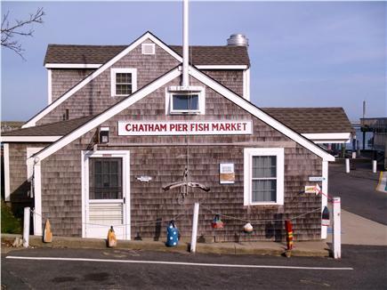 Chatham vacation rental condo in cape cod ma 02633 for Cape cod fish market