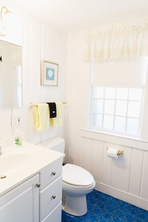 Popponesset Beach Cape Cod vacation rental - Full Bathroom with access from bedroom 3