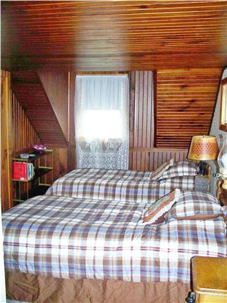 Cotuit Cotuit vacation rental - Upstairs twin beds, HD TV in room