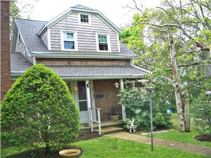 Cotuit Cotuit vacation rental - Front porch and entrance
