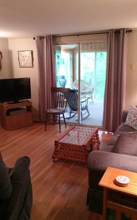 Cotuit Cotuit vacation rental - Lliving room separated by sun room