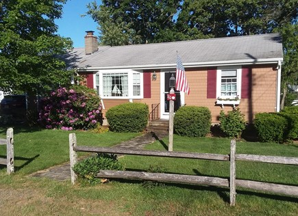 Dennisport... 3/4 mi to Sound  Cape Cod vacation rental - Charming yet Spacious Cape Ranch ID 20935  With Central Air/C