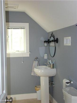 Eastham Cape Cod Vacation Rental Cosy Bathroom Upstairs