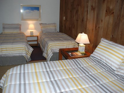 Wellfleet, Trotting Park - Near Town Cent Cape Cod vacation rental - Dormitory style bedroom
