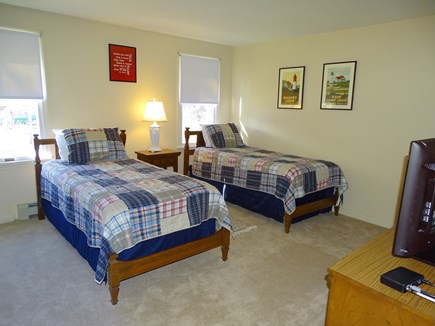 Brewster Cape Cod vacation rental - Twin bedroom with TV