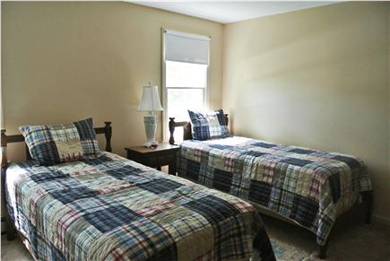 Brewster Cape Cod vacation rental - Twin bedroom across from hallway bathroom