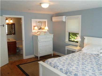 Barnstable Cape Cod vacation rental - ''Nantucket Room'', 2nd Queen Suite w/full bath