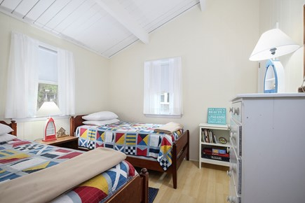 Wellfleet Cape Cod vacation rental - Light, bright second bedroom with twin beds