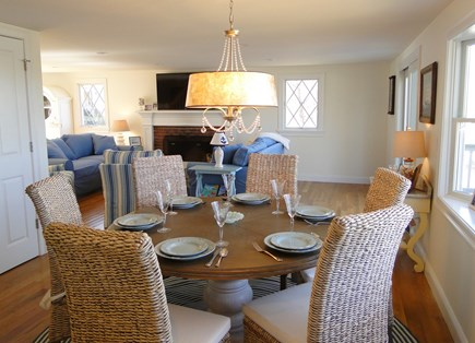 Pocasset Pocasset vacation rental - Dining area with bay window, opens to living room