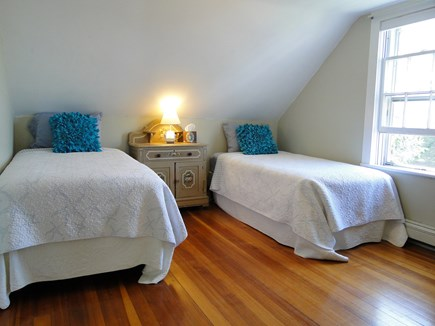 Chatham Cape Cod vacation rental - Twin bedroom upstairs