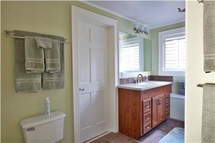 Provincetown, East End Cape Cod vacation rental - First floor full bathroom