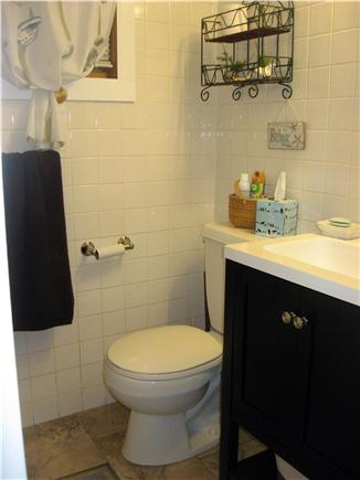 Hyannis Cape Cod vacation rental - Bathroom