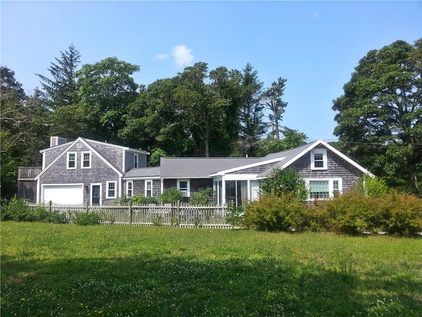 Brewster Vacation Rental Home In Cape Cod Ma 02631 1 2 Mile To Point Of Rocks Beach Id 2166