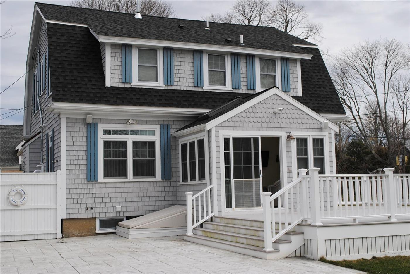 Falmouth Vacation Rental Home In Cape Cod Ma 02540 8 Miles To Surf Drive Beach Id 21666