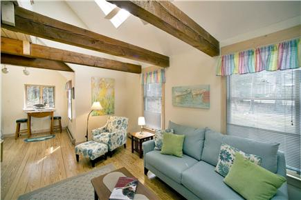 New Seabury, Fells Pond Village, New Seabur New Seabury vacation rental - Spacious Living Room / Skylights