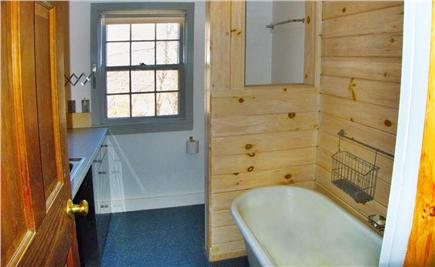 South Wellfleet Cape Cod vacation rental - Upstairs Bathroom
