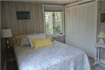 Manomet,  Plymouth Manomet vacation rental - Queen Bedroom 2