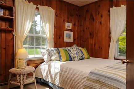 Brewster Cape Cod vacation rental - Two twin beds