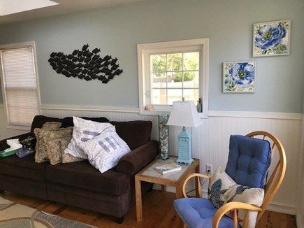 42 Hiawatha Road Harwichport Cape Cod vacation rental - Living room Cottage