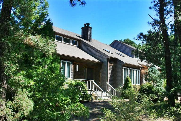 Wellfleet vacation rental home in cape cod ma 02667 id 22421 for Cabin rentals in cape cod ma