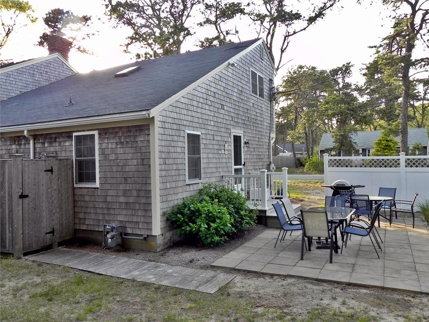 Outstanding Dennis Vacation Rental Home In Cape Cod Ma 5 10 Mile To Home Remodeling Inspirations Gresiscottssportslandcom