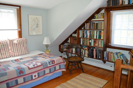Nauset Heights (East Orleans) Cape Cod vacation rental - 2nd fl. common area. A quiet space. Double divan.
