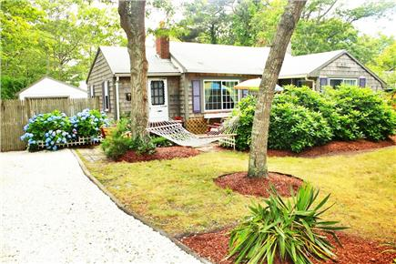 South Yarmouth Cape Cod vacation rental - Secluded cute cottage very near to semi-private beach