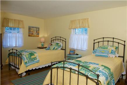 East Dennis Cape Cod vacation rental - Twin bedroom
