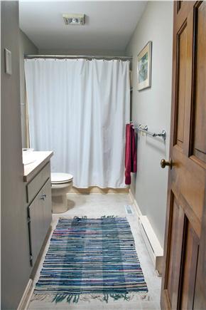Brewster Cape Cod vacation rental - Hall bath