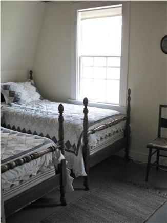 west hyannisport Cape Cod vacation rental - Twin Beds in Woods Bedroom