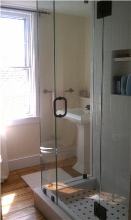 west hyannisport Cape Cod vacation rental - Baths Updated in 2011