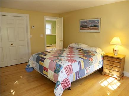 Cotuit Cotuit vacation rental - Queen bedroom with Jack-and-Jill bathroom
