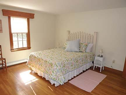 South Chatham Cape Cod vacation rental - First floor queen Hydrangea Bedroom