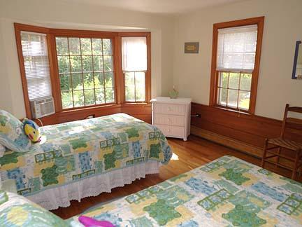 South Chatham Cape Cod vacation rental - First floor twin bedroom