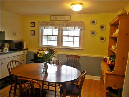 Eastham Cape Cod vacation rental - Comfortably seats six