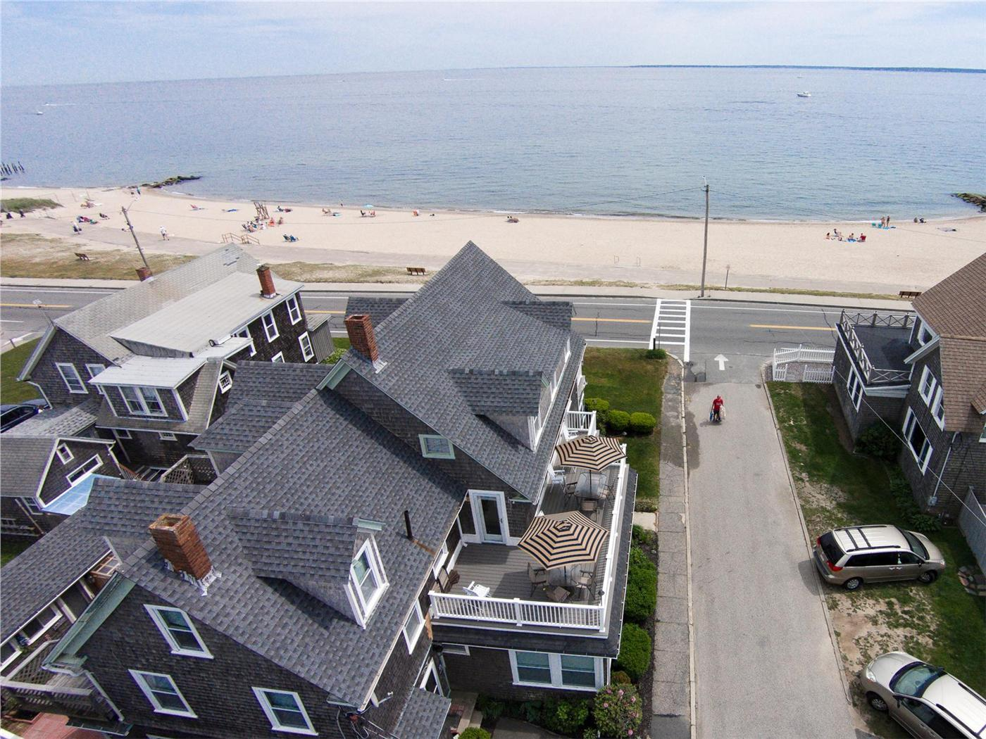 Stupendous Falmouth Vacation Rental Home In Cape Cod Ma Beachfront On Home Interior And Landscaping Ymoonbapapsignezvosmurscom