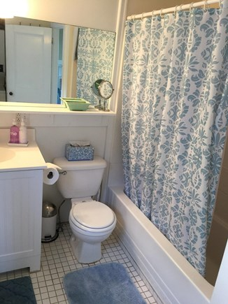 Indian Neck / Wellfleet Cape Cod vacation rental - Full Bath